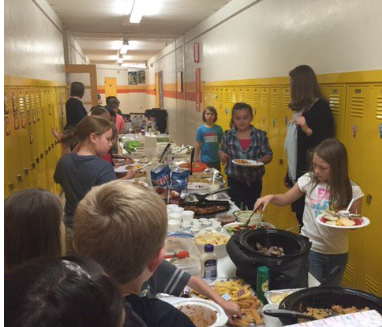 3rd grade feast...eating foods from different countries!:)
