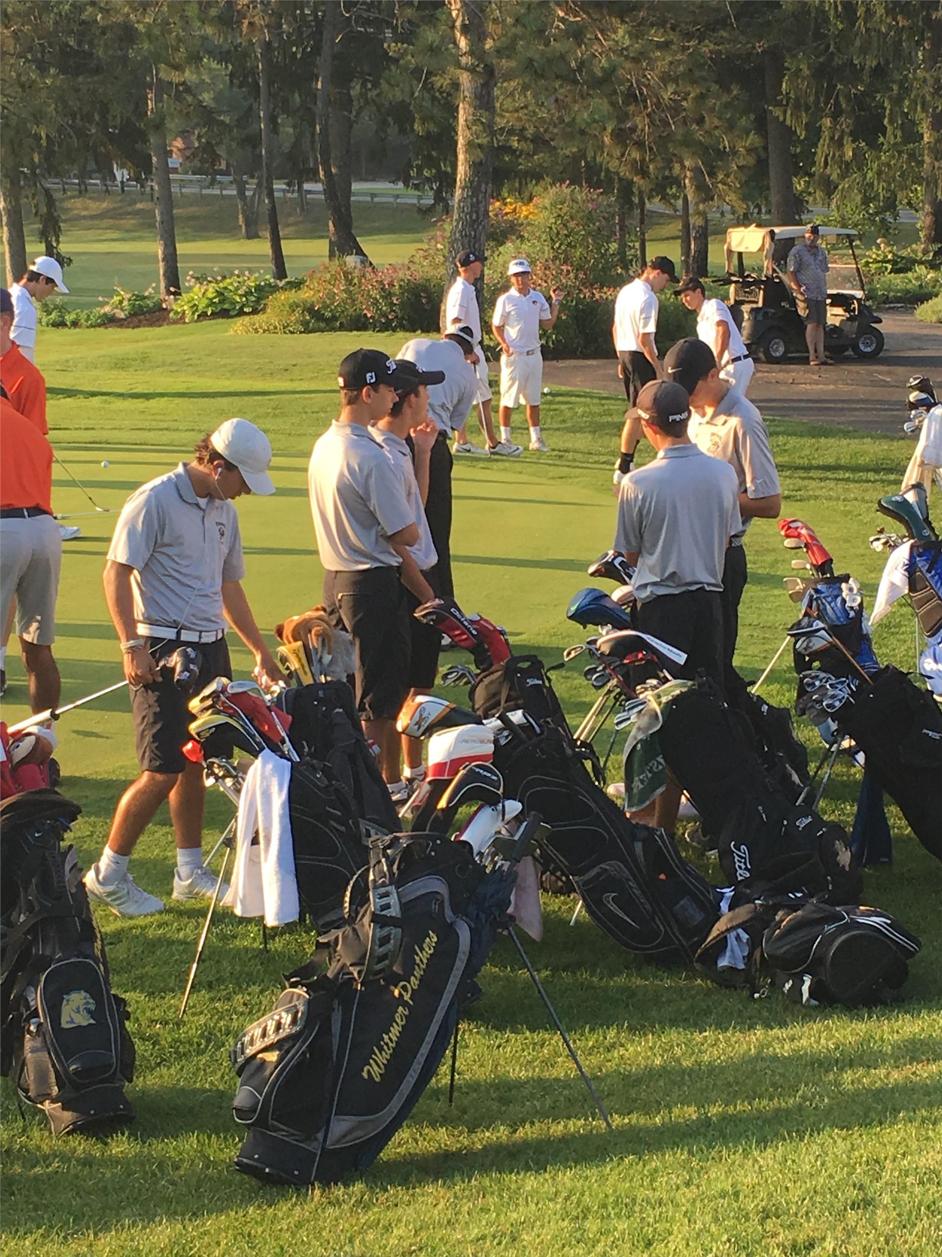 PHS boys golf team preparing for the match