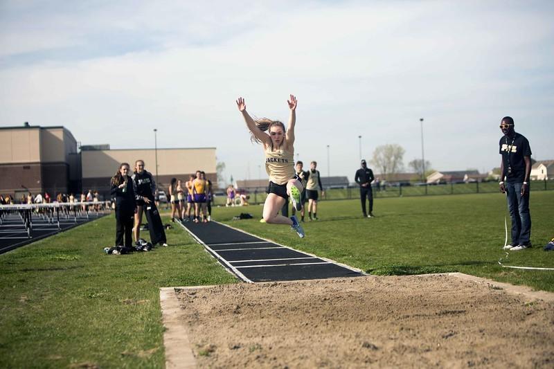 girl long jumping