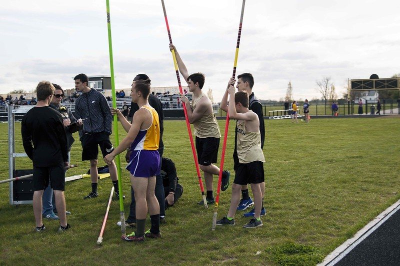 boys waiting to pole vault